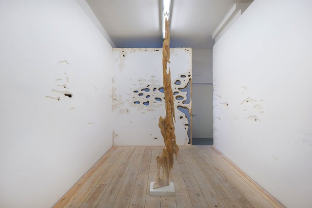 Rob Chavasse, The Center of the Earth is Molten History. Installation view courtesy Rod Barton gallery.