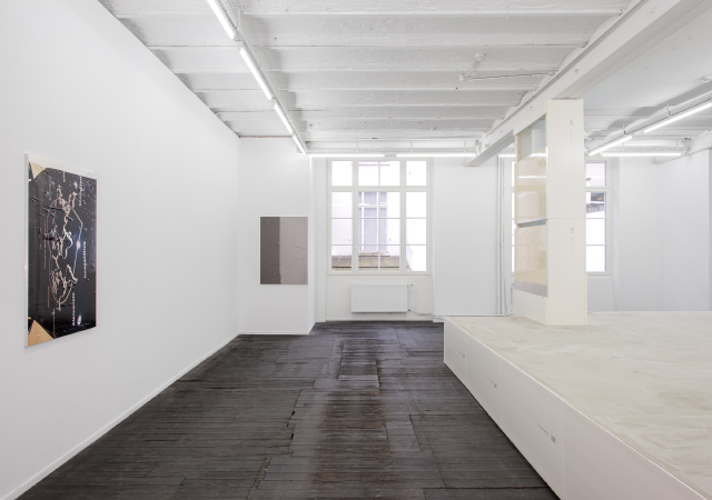 Steffen Bunte, SHELL; FICTION (TRAILER) (2015) Exhibition view. Photo by Hugard & Vanoverschelde. Courtesy Jeanrochdard, Paris.
