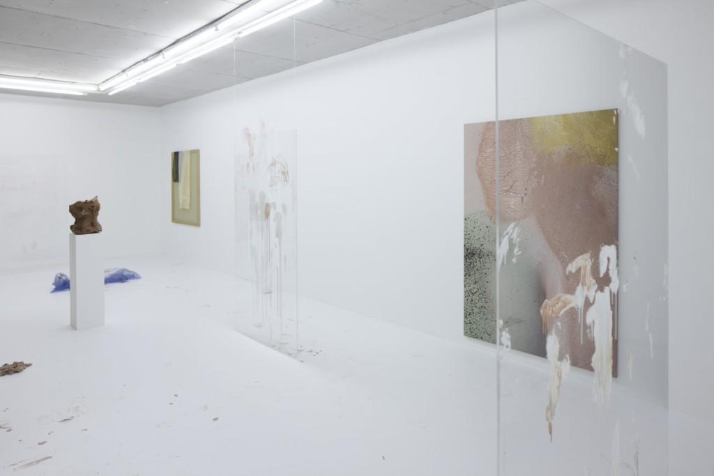 Donna Huanca, Polystyrene's Braces (2015-16). Exhibition view. Courtesy kim?, Riga.