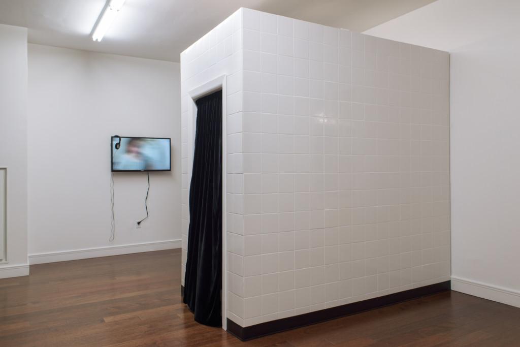 Right - Left: Zak Arctander, 'Taconic' (2015), Jonathan Mildenberg's 'Conversations' (2015). Wet Eyes exhibition view. Courtesy Meyohas, New York.