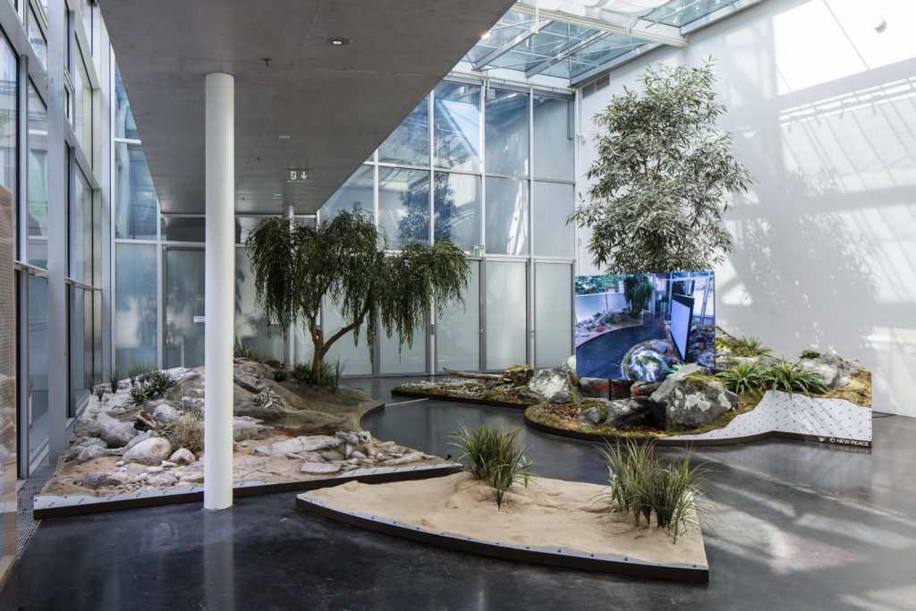 Timur Si-Qin, 'A Reflected Landscape' (2016) @ 9th Berlin Biennale for Contemporary Art. Installation view. Photo by Tim Ohler. Courtesy the artist, Société, Berlin + Studio Ramos.